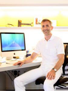 Dr. Lindner